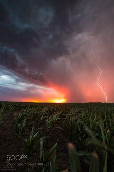 Huron Lightning by AaronGroen via http://ift.tt/2tYE2om