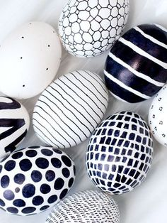 Graphic Black and White Eggscountryliving