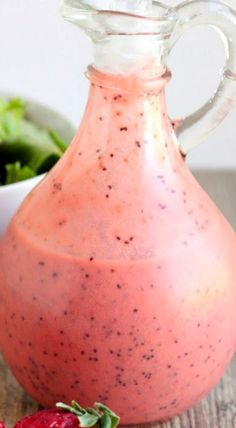 Strawberry poppyseed vinaigrette - so tangy, sweet, and delicious! You won't believe how easy it is to make at home! Salad Dressing Recipes, Salad Recipes, Salad Dressings, Salad Bar, Soup And Salad, A Food, Good Food, Homemade Dressing, Strawberry Smoothie