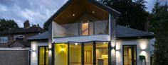 The Quoins: Modern  by raynes architecture