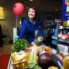 """Laëtitia, Hôtesse de caisse chez Carrefour Etampes : """"J'optimisme quand les clients partent avec un sourire"""" - Journée des Droits de la Femme"""