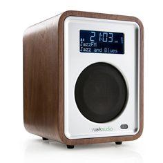 R1 Deluxe Tabletop Radio - Rich Walnut