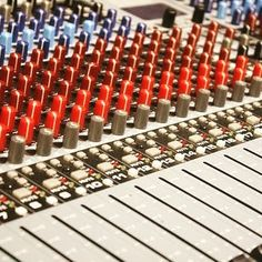This knob goes to 11. #music #musician #newmusic #instamusic #musica #livemusic #housemusic #goodmusic #musicvideo #musicislife #musicproducer #musical #musicians #musically #hiphopmusic #trapmusic #musiclife #partymusic #electronicmusic #dancemusic #indiemusic #musicproduction #countrymusic #MusicLover #rapmusic #musicallyapp #musicfestival #popmusic #lovemusic #ilovemusic