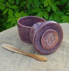 Garlic roaster or butter dish hand thrown stoneware ceramic butter dish pottery Butter Bell, Butter Pasta, Butter Shrimp, Butter Crock, Steak Butter, Garlic Roaster, Garlic Storage, Ceramic Butter Dish, Pottery Techniques