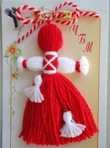 МАРТЕНИЦИ НА ЕДРО Recycled Crafts, Handmade Crafts, Diy And Crafts, Crafts For Kids, Wool Dolls, Yarn Dolls, Doll Crafts, Yarn Crafts, Sewing Toys
