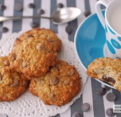 galletas avena y chips chocolate Sweets Recipes, My Recipes, Cookie Recipes, Healthy Recipes, Desserts, Bread Machine Recipes, Cookie Gifts, Protein Foods, Cooking Time