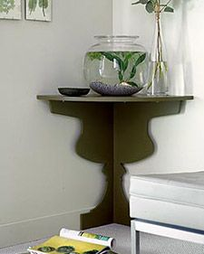 How to create a space-saving corner shelf