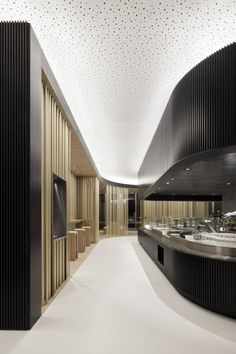 Restaurant Tour Total / Leyk Wollenberg Architects
