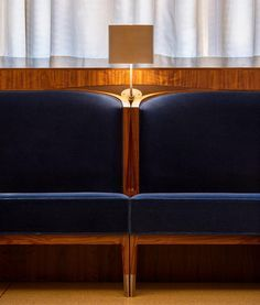 Banquette seating restaurant interiors new york 20 Ideas Restaurant Banquette, Restaurant Booth, Restaurant Design, Restaurant Ideas, Restaurant Interiors, Restaurant Tables, Eleven Madison Park, Banquet Seating, Booth Seating