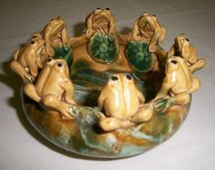 Chinese Vintage Banko Ware Pottery Bowl of a Family of Frogs (description update) Japanese China, Vintage Japanese, Chinese Bowls, Vintage Ashtray, Ceramic Animals, Pottery Bowls, Merry Christmas, Stuffed Mushrooms, Asian