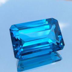 22.5 Ct Natural AAA+ Emerald Shape Swiss Pattern London Blue Topaz 19.3x13.1 MM #GemstonePioneer