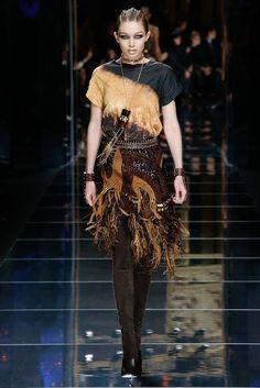 http://www.vogue.com/fashion-shows/fall-2017-ready-to-wear/balmain/slideshow/collection
