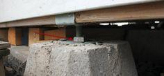 Leveling shed foundation with adjustable deck supports Building A Floating Deck, Building A Deck, Building A Storage Shed, Shed Storage, Cool Deck, Diy Deck, Shed Design, Deck Design, Shed Base