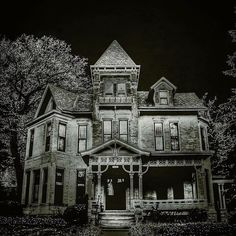 It's creepy and its kooky? Wasn't that how the song went? This edit I did reminded me of the Adam's family house #creepy_ru by dreaming_big_mn