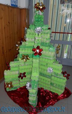 Totally cool christmas trees on pinterest christmas for Christmas decorations using egg cartons