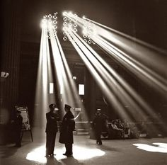 Union Station in Chicago, 1943 by Toni Frissell