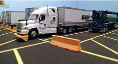 16 Swift Trucking Fails From People Having Substantially Worse Days Than You Big Rig Trucks, Semi Trucks, Bad Drivers, Chevy Diesel Trucks, Bad Day, Funny Fails, Swift, People, Truck Humor