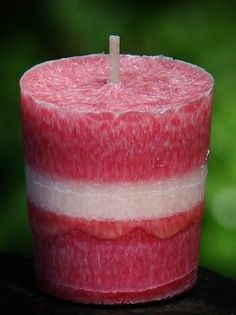 70hr BLUE GUM /& CITRONELLA PILLAR PARTY Candle FUNKY HOT PINK INSECT REPELLENT