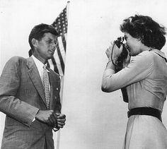 theniftyfifties:    Jacqueline Kennedy takes John's portrait, 1950s.