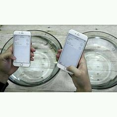 Algunos locos en USA han agarrado los #iPhone 6S Y 6S Plus nuevecitos y los han pasado por pruebas bien fuertes.   Una de las más sorprendentes es donde sumergen dos iPhone en agua por una hora.    Resulta que después de estar una hora bajo agua los iPhone salieron intactos y 100% funcionales.   Será que #Apple esta haciendo sus teléfonos resistentes al agua y no ha dicho nada?  No sería la primera vez que Apple under promises y over achieves. Lo mismo ha pasado con el Apple Watch y con…