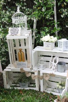 Vintage rustic chic Wedding via Kara's Party Ideas KarasPartyIdeas.com The Place for All Things Party! #rusticwedding #rusticchic #vintagewedding #rusticweddingcake #chicwedding (21)