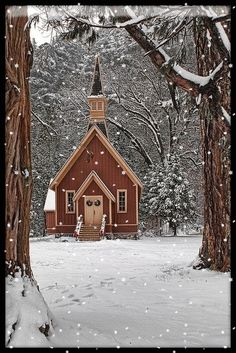 Yosemite Wedding Yosemite church in winter I love this old church in Yosemite valley. A fresh snow pack made for a great shot. - I love this old church in Yosemite valley. A fresh snow pack made for a great shot. Old Country Churches, Old Churches, Take Me To Church, Cathedral Church, Church Building, Chapelle, Old Barns, Place Of Worship, Winter Scenes