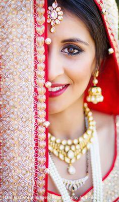 Indian Bride Photography Poses, Wedding Couple Poses Photography, Bridal Photography, Indian Wedding Poses, Indian Bridal Photos, Bride Indian, Wedding Girl, Wedding Dress, Dehati Girl Photo