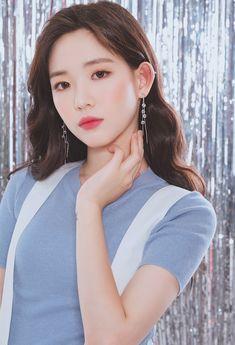♡윙블링♡ 상상 그 이상의 악세사리SHOP Real Beauty, Asian Beauty, Hair Beauty, Asian Model Girl, Aesthetic People, Asian Celebrities, How To Look Classy, Female Portrait, Beautiful Asian Girls