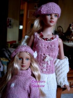 famijour8 Crochet Barbie Clothes, Doll Clothes, Blythe Dolls, Barbie Dolls, Knit Crochet, Crochet Hats, Bustier, Knitted Dolls, Fashion Dolls