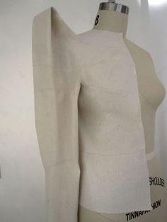Sculptural fashion construction using Shingo Sato's 3D box integration technique - creative pattern making; fabric manipulation // Sew Elizabeth
