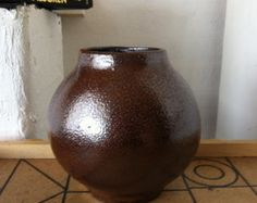 Check out our round vase selection for the very best in unique or custom, handmade pieces from our vases shops. Round Vase, Primitive, Diy Ideas, Centerpieces, Handmade, Etsy, Vintage, Home Decor, Fields