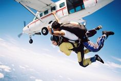 Skydiving in India >> Tandem jump is a very popular training method for first time skydivers, but it is more expensive than a static jump It exposes first-time jumpers to skydiving with minimal expectations from the participant. #SkydivinginIndia #Skydiving #India
