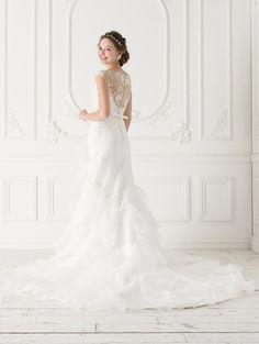 Cinderella & Co.  (シンデレラ・アンド・コー)  繊細ビジューの背中が美しいプチスリーブのマーメイドドレスPJ5008