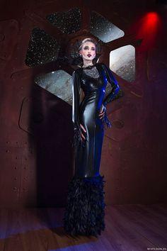 """Beyond Orion"". Model : Misha. Make-up : Manon Amiel. Fashion design : Patrice Catanzaro (Nouvelle collection TOME 12). Photo : Nath-Sakura."