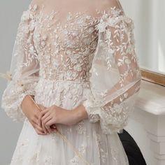 Beautiful long sleeves wedding dress #weddinggown #weddingdress