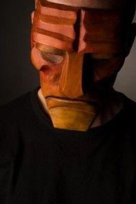 Mario Carrillo, facteur de masque