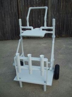 Fishing Rod Holders - Consider Many Of These Great Fishing Tips! Fishing Cart, Surf Fishing, Fishing Guide, Saltwater Fishing, Fishing Lures, Fishing Boats, Ice Fishing, Fishing Stuff, Crappie Fishing