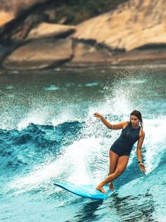 Aloha Surfer Girls - Surf Lessons in San Diego for females! http://alohasurfergirls.com
