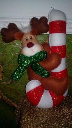 Felt Christmas Decorations, Felt Christmas Ornaments, Christmas Fabric, Christmas Candy, Christmas Time, Christmas Stockings, Christmas Crafts, Holiday Decor, Felt Crafts
