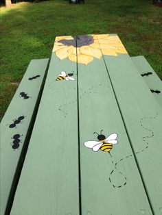 Painted picnic table, Really pretty and great idea. I think I could do this and jazz it up a little more, adding grass and a little brighter background color