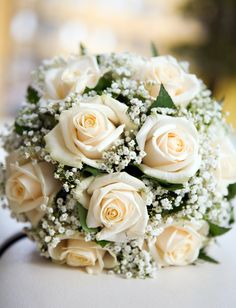 Bridal ball of roses and gypsophila- Brautkugel aus Rosen und Schleierkraut Who says that the bridal bouquet always has to be a splash of color in the bridal look? Tone-in-tone and very noble is the bouquet of cream-colored roses and white gypsophila. White Wedding Bouquets, Bride Bouquets, Flower Bouquet Wedding, Rose Bouquet, Bridesmaid Bouquet, Orange Wedding Flowers, White Weddings, Bridesmaids, Wedding Centerpieces