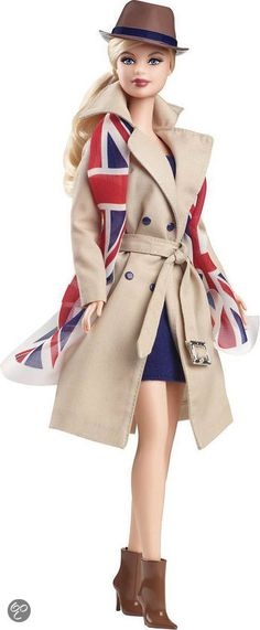 Barbie dolls of the world United Kingdom Adorbs.... Wait who ever says that