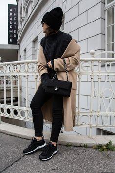 Chanel Bag  amp  Nike Airmax 97 I More on viennawedekind.com Airmax Outfit 709e4253c