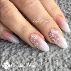 #rekaschmidt #crystalnails #nudenails #germany #stuttgart #ilovemyjob #babyboomer #Baby_Boomer #sposa #wedding #delicate #whitefashion #whitenails #white #ladyboomer #lovelynails #royal #princess #Queen #nailschool