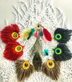 Mobile liveinternet photo and video master class on making bookmarks peacock feather marser diary marser Peacock Crochet, Crochet Feather, Crochet Dreamcatcher, Thread Crochet, Crochet Applique Patterns Free, Tatting Patterns, Crochet Motif, Knit Crochet, Crochet Hats