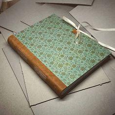 ardeas / Štýlový romantický zápisník s koženou väzbou A5 / handmade / book / journal / paper / craft / leather / bookbinding / flowers