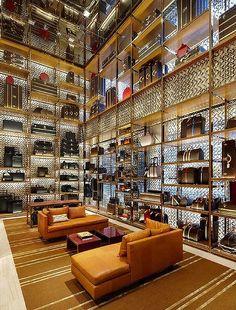 Louis Vuitton Store London - Bond Street