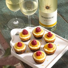 Wine Recipe | Mini Moscato Cheesecakes With Mirrasou. Someone needs to make these for me! Never had Mirrasou, but want to try it.