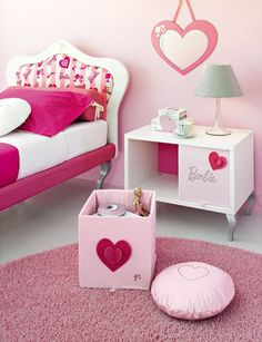 Little Girl's room- A Barbie room! I would have loved this as a little girl!