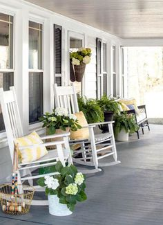 A beautiful porch always holds eyes on people. And the farmhouse style porch seems to be very enjoyable right now. It looks so cozy and nice. So, if you are thinking what your porch could look like this year, here are… Continue Reading → Summer Porch Decor, Summer Front Porches, Modern Farmhouse Porch, Farmhouse Front Porches, Southern Front Porches, Farmhouse Outdoor Chairs, Country Farmhouse, Country Homes, Vintage Farmhouse
